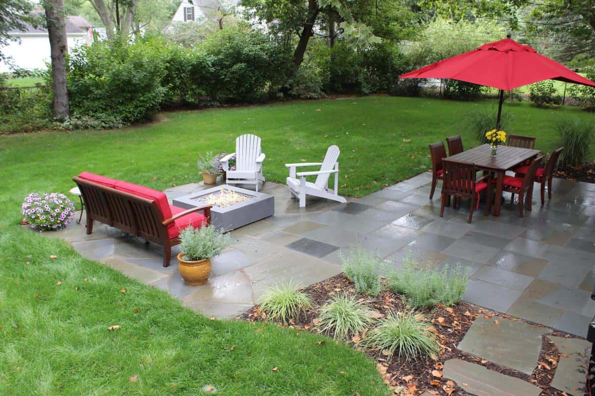 Landscaping beverly hills mi landscaping services mi for Landscape design michigan