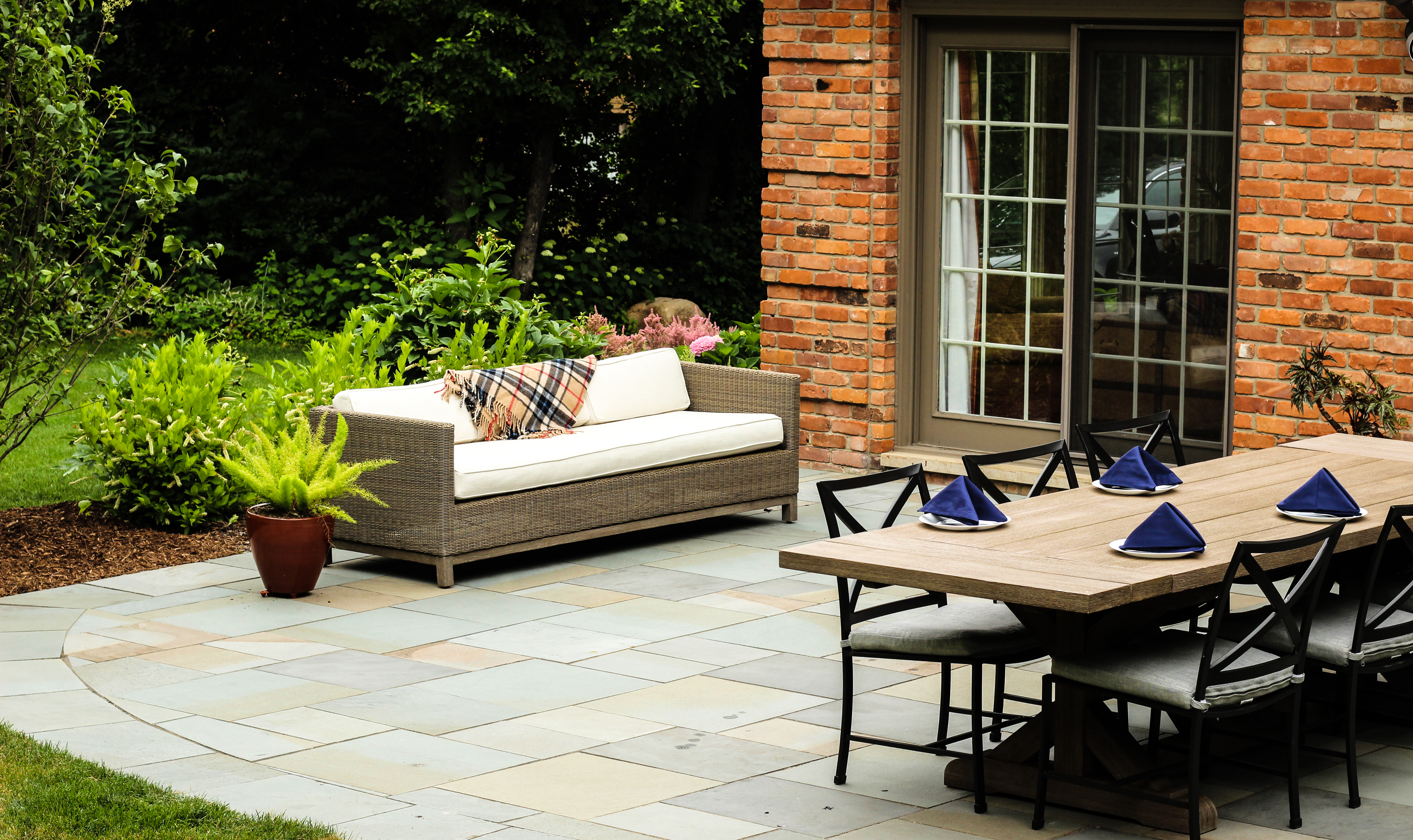 Outdoor Living Keeping Safe And Comfortable Four Seasons Garden